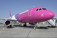 Wizz Air succeeds where its rivals fail