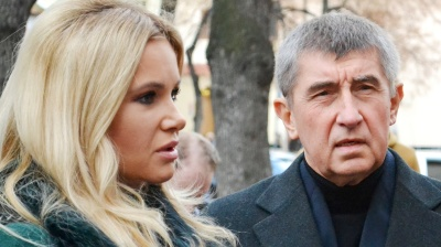 Czech MPs lift Babis's immunity, police free to hit election favourite with fraud charge