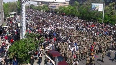 Armenians urged to stay on streets in push for full 'Velvet Revolution'