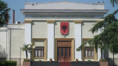 Albanian parliament elects interim chief prosecutor amid smoke bombs