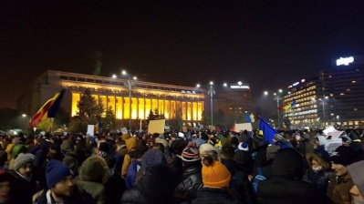 20,000 protest in Bucharest against planned changes to justice system
