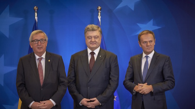 EU greenlights visa-free regime for Ukraine as it signals Russia sanctions to be extended