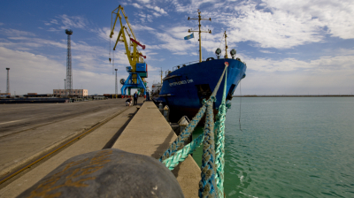 Kazakh port looks to trade bypassing Russia