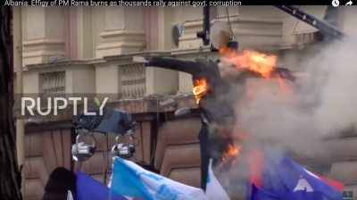 Effigy of Albanian PM burned at protest
