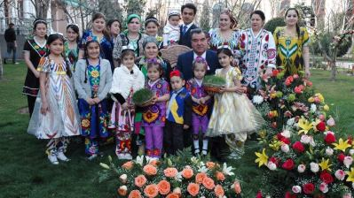 Tajik constitutional amendments pave way for Rahmon dynasty