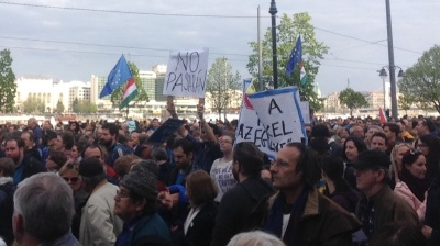 Huge crowd protests CEU bill in Budapest