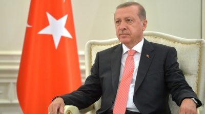 Erdogan urges Turks in Germany not to vote for Merkel or Social Democrats