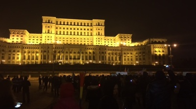 Anti-corruption protesters back on the streets in Bucharest