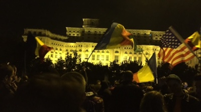 Anti-corruption protesters keep the pressure on Romanian government