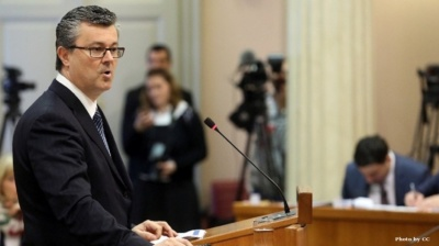 Croatia's senior ruling HDZ to file non-confidence vote against technocrat PM Oreskovic