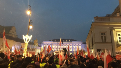 Polish parliamentary crisis on hold as opposition suspends protest
