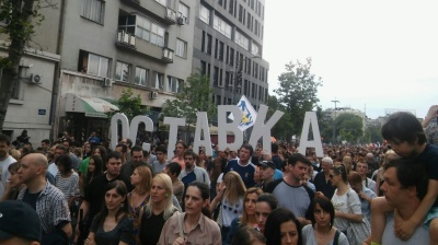 Protesters take on Serbian authorities in Belgrade, Novi Sad