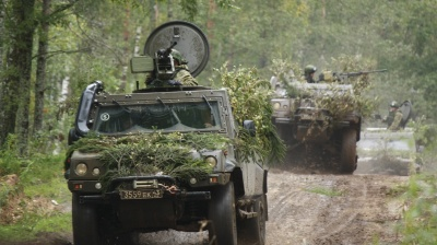 "Eastern Europe on alert as Russia targets ""West"" in largest war games for years"